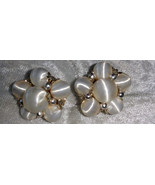 White vintage cluster button earrings clip on faux pearl regal - $18.00
