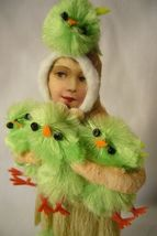 Vintage Inspired Spun Cotton, The Chick Keeper, no.179G image 3