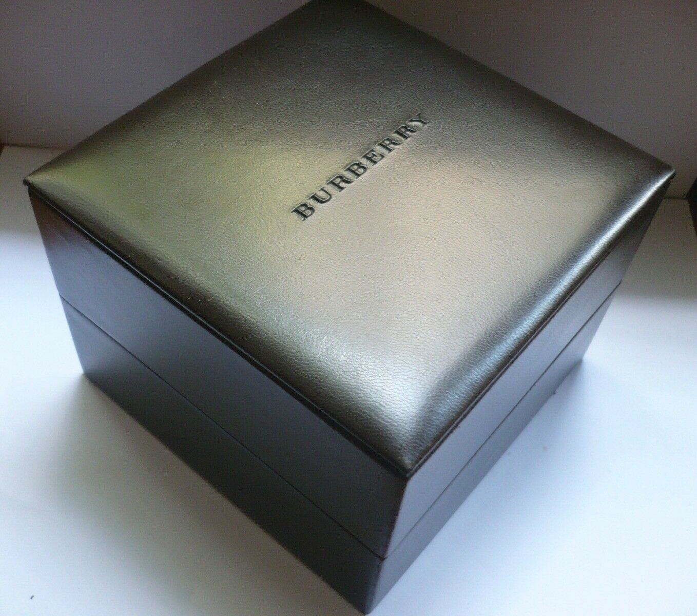 Burberry watch case box  image 5