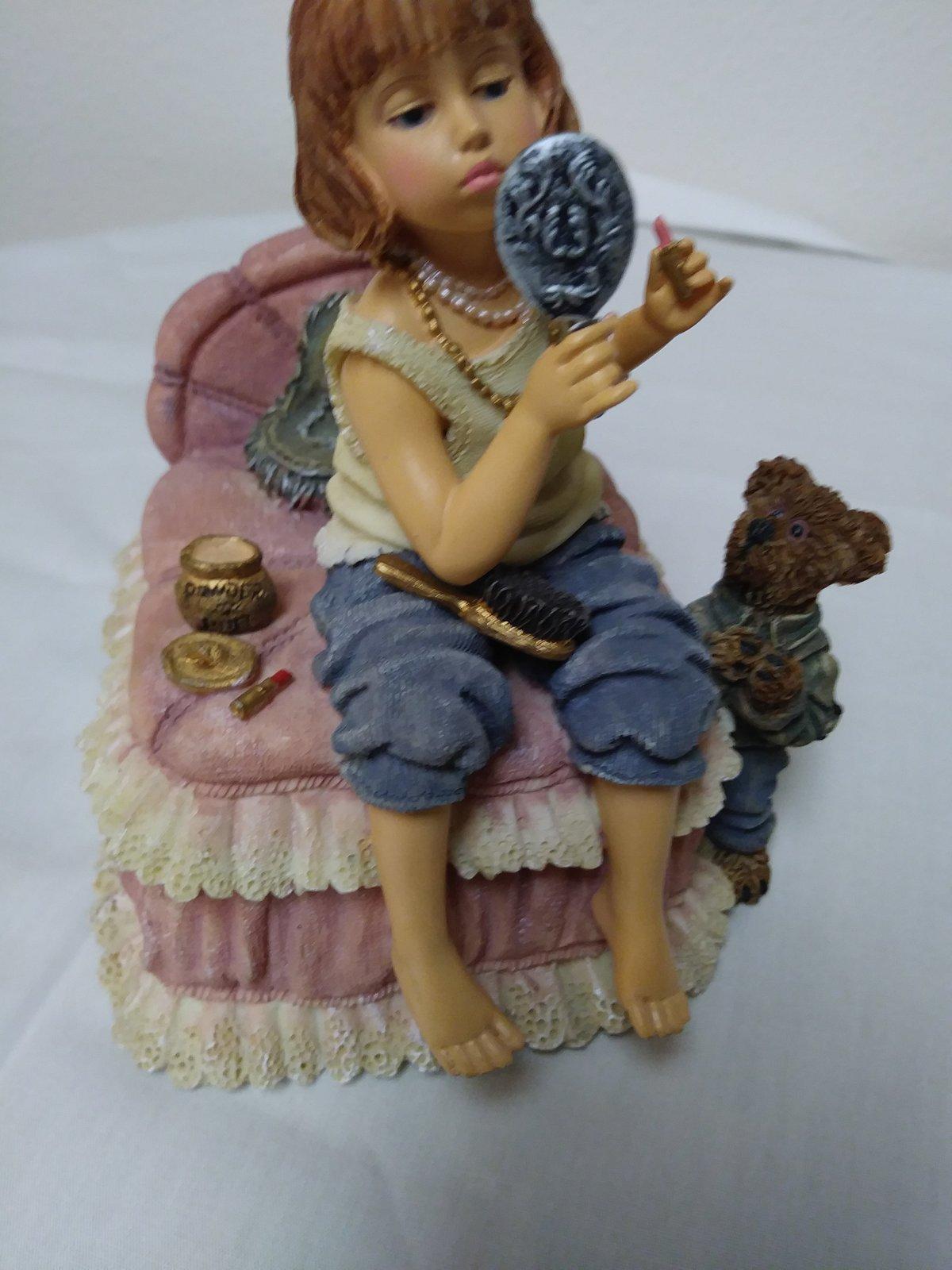 "Boyd's Vintage ""Yesterdays Child"" Figurine Music Box 2E/4904 Figurine image 6"