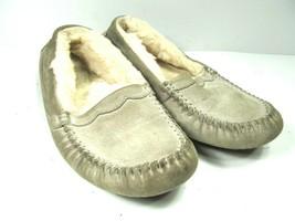 UGG  Australia Womens Shearling Lined Moc Toe Loafers Size US 6 - $19.39