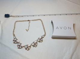 Mujer Avon Floral Grupos Collar Babero F3932011 Nip - $16.03