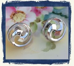Vintage CORO Mid Century Silver Tone Round Modernist Screw Back Earrings... - $17.98