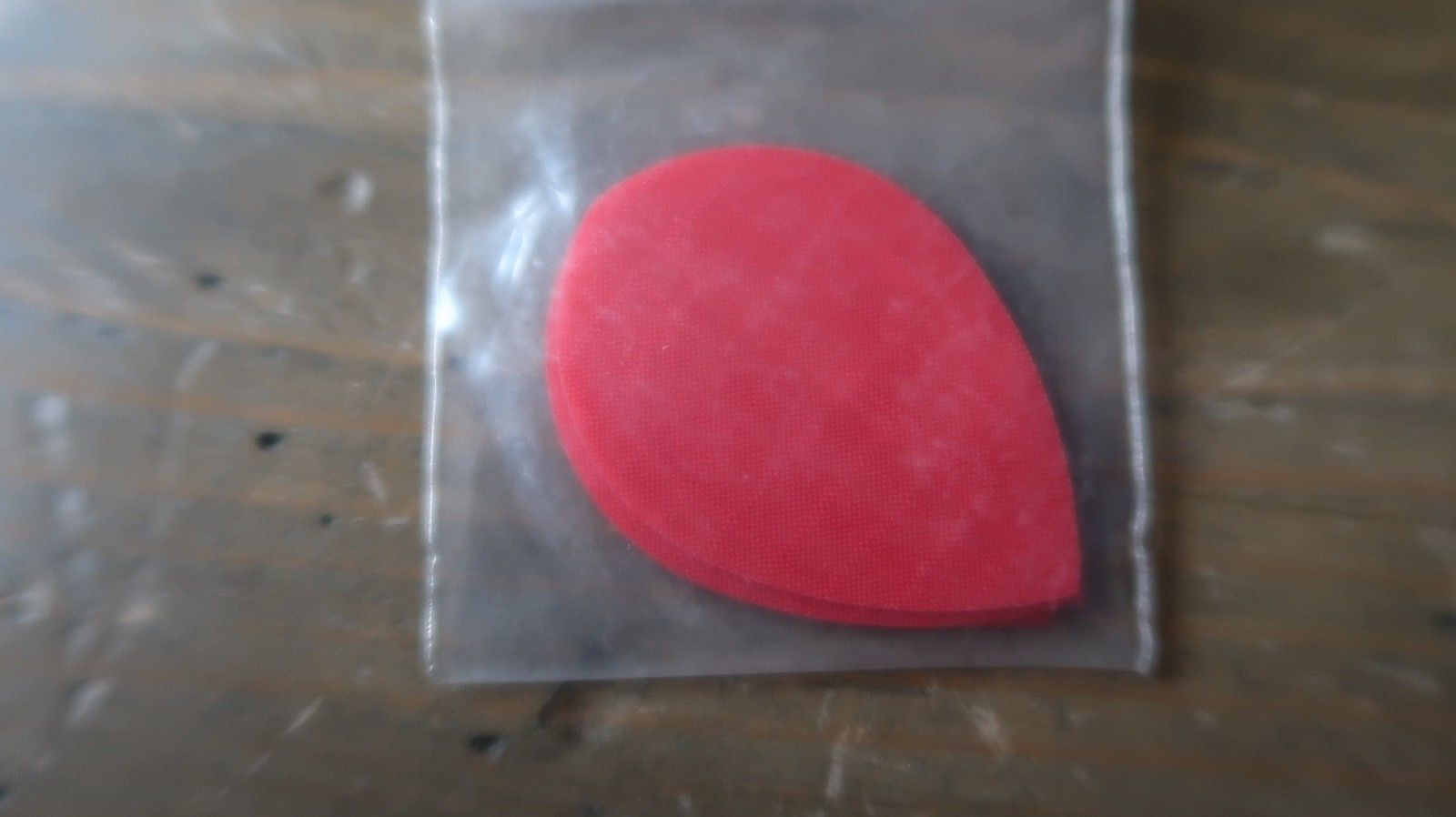 3 NEW Vintage Dart Flights RIB STOCK RED