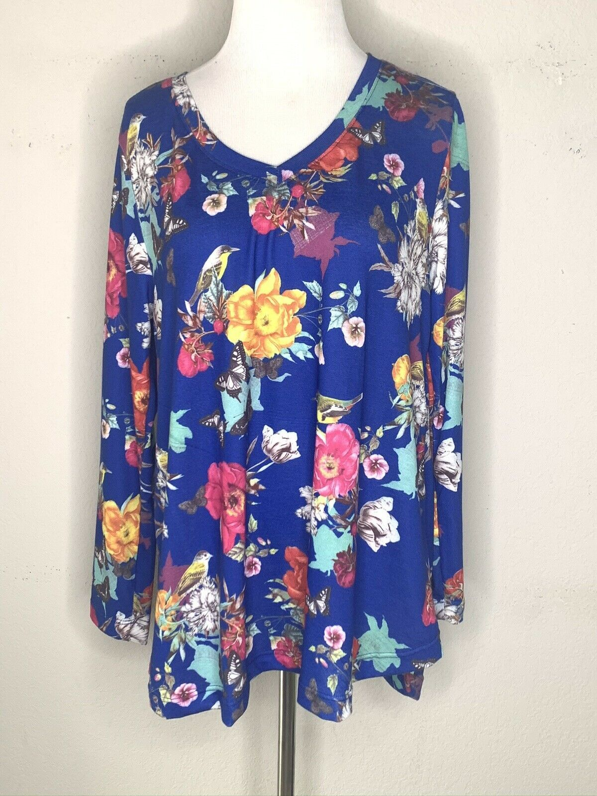 Primary image for Soft Surroundings Womens Floral Shirt Tunic Top Blue V-Neck Long Sleeve Sz PL
