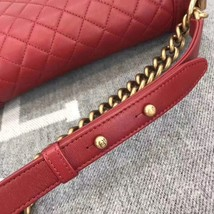 AUTHENTIC NEW CHANEL RED QUILTED LAMBSKIN MEDIUM BOY FLAP BAG GHW image 4