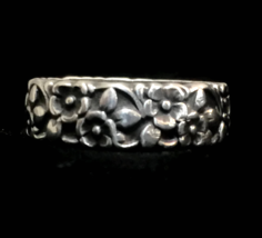 Vintage Flower Floral Sterling Silver Women Ring or Band Size 8 - $48.00