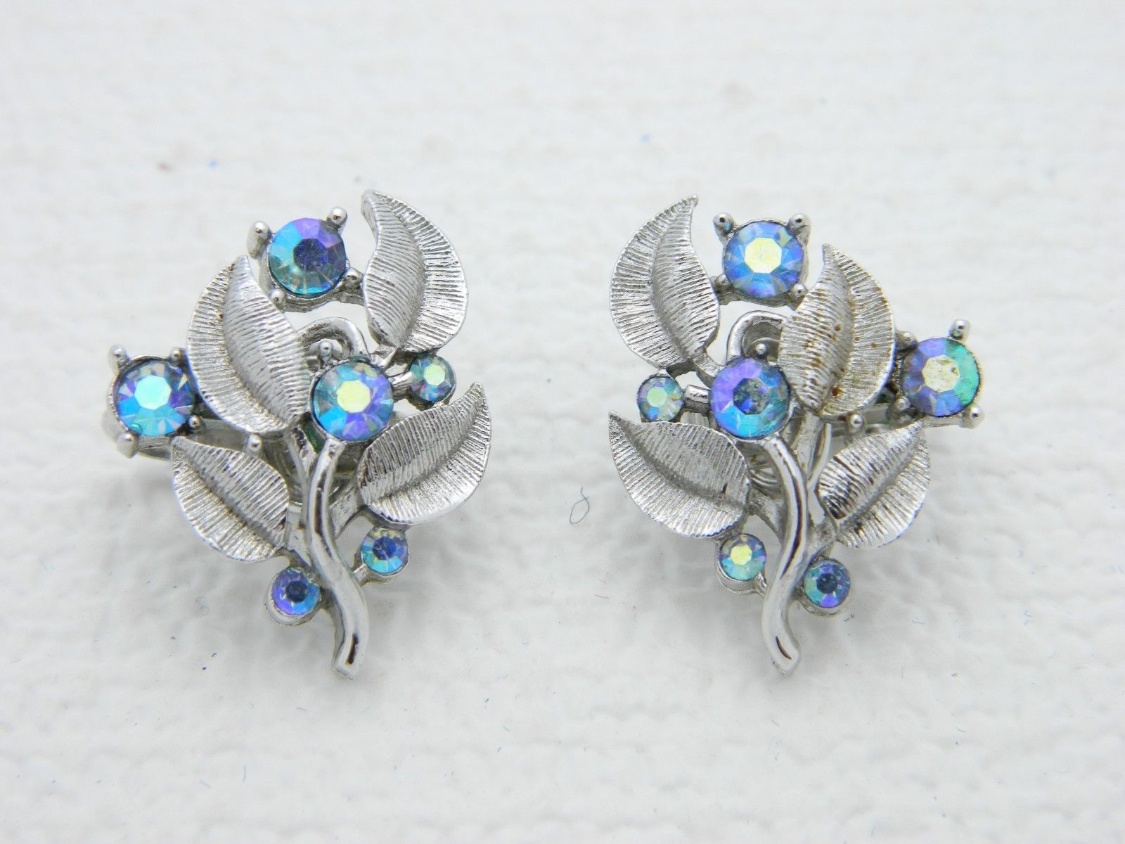 VTG CROWN TRIFARI Silver Tone Blue AB Rhinestone Flower Leaf Clip Earrings