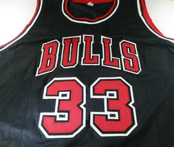 SCOTTIE PIPPEN / HALL OF FAME / AUTOGRAPHED CHICAGO BULLS CUSTOM JERSEY / COA image 2