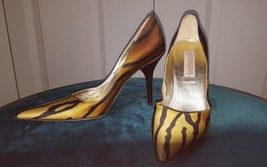 $300 NWT MICHAEL KORS GORGEOUS TIGER GOLD HIGH HEEL SHOES SIZE 5.5 - $97.02