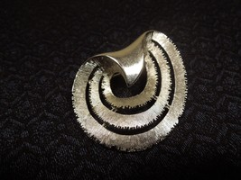 Vintage Art Deco Silver tone Satin Finish Abstract Pin Brooch - $17.81