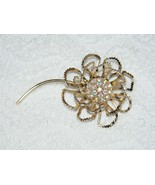 VINTAGE SARAH COVENTRY SIGNED GOLDTONE RHINESTONE FLORAL DESIGNED PIN BR... - $34.99