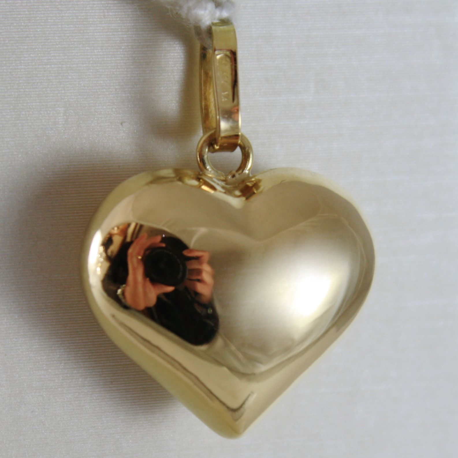 18K YELLOW GOLD ROUNDED HEART CHARM PENDANT SHINY .98 INCHES MADE IN ITALY