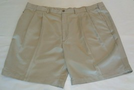 Roundtree & Yorke Size 44 Waist EXPANDER WAISTBAND Khaki Pleated New Men... - $33.18
