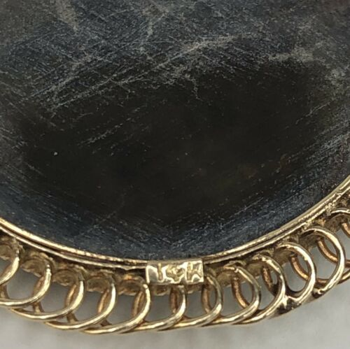 Vintage 14K Yellow Gold Mother of Pearl Oval Cameo Pendant or Brooch  image 3
