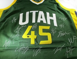 UTAH JAZZ / 2018-19 TEAM SIGNED GREEN CUSTOM JERSEY / 14 SIGNATURES / FU... - £219.32 GBP