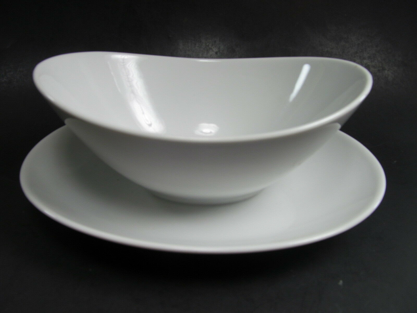 Primary image for Mikasa Sophisticate White Gravy Boat Attached Underplate