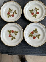 Mikasa STRAWBERRY FESTIVAL Salad Plate  Lot Of 4 - $59.32