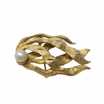 BSK Signed Vintage Gold Toned Womens OS Broach Pin - $34.65