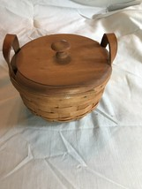 Longaberger Small Berry Basket w/ lid - 1992 signed SE# - $22.00