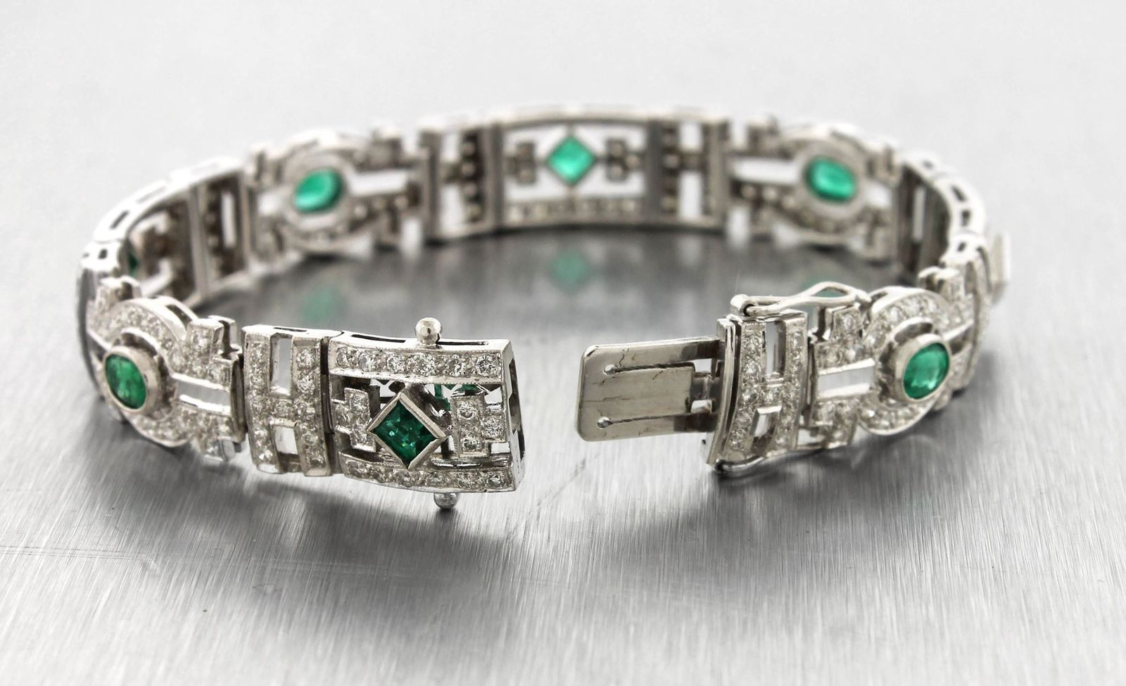 Ladies Vintage Art Deco 18K White Gold 4.38ctw Diamond Emerald Bracelet