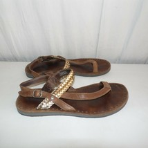 Ugg Leather Brown Gold Toe Thong Sandals Size 7 - $39.60