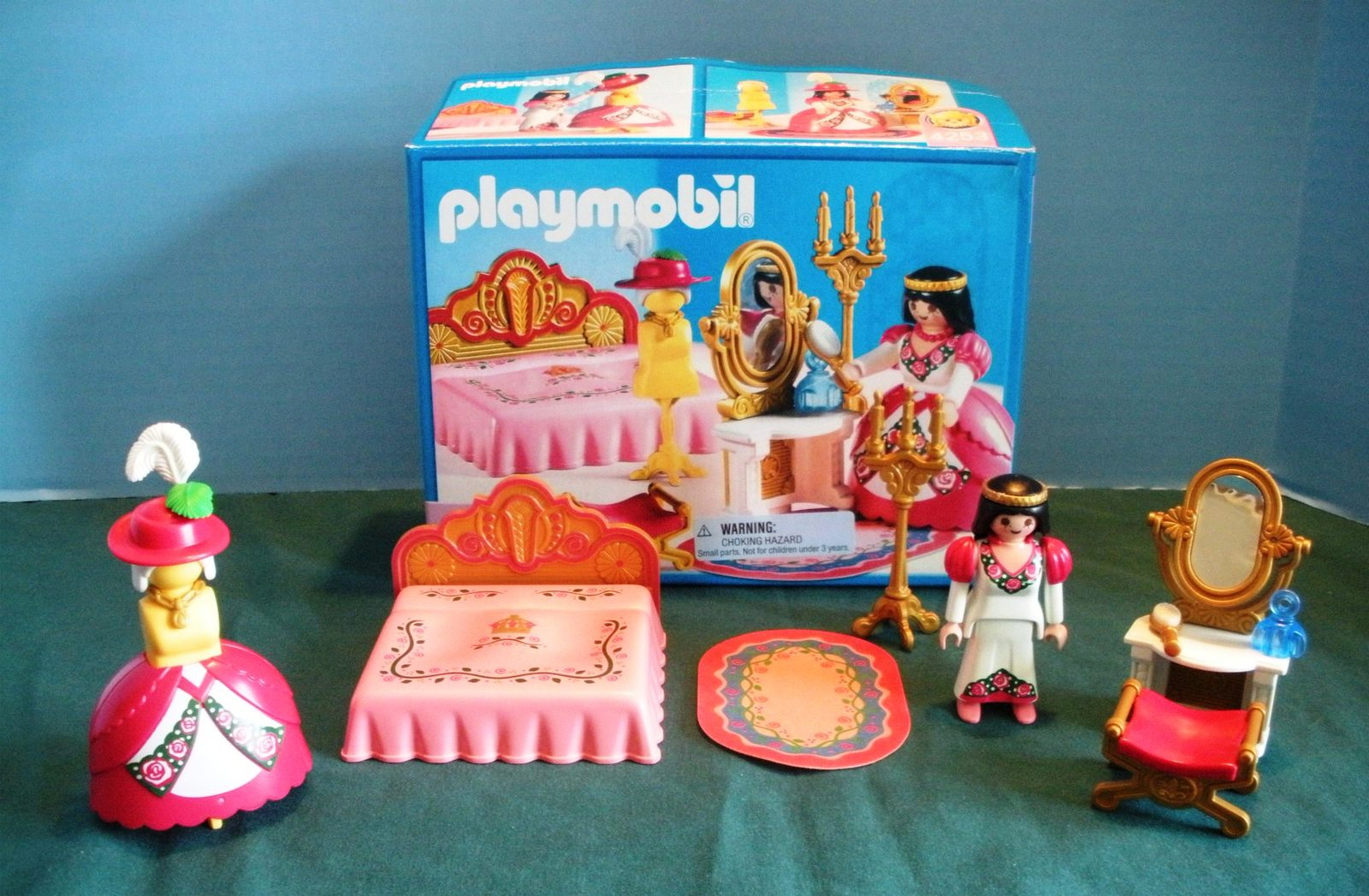 Vintage Playmobil #4253 Royal Bedroom Complete with Box/NR MINT! (B)