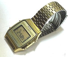 SEIKO VINTAGE DIGITAL A914-5A09 IN GOOD CONDITION FULL FUNCTIONAL GOLD TONE image 5