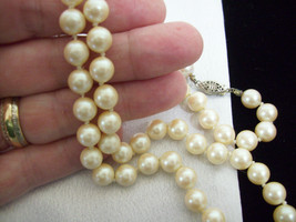 "Strand Creamy White Faux PEARLS Peach Blush Necklace Hand Knotted 22"" Vi... - $16.82"