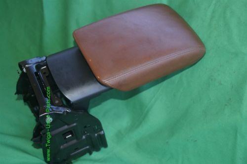 08-14 Audi A5 Sliding Leather Armrest Center Console Lid Cover