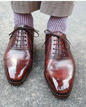 Handmade Men Burgundy Heart Medallion Lace Up Dress/Formal Leather Oxford Shoes image 4