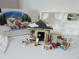 DEPT 56 54945 ANOTHER MAN'S TREASURE GARAGE  SNOW VILLAGE BOXED D10 - $97.02