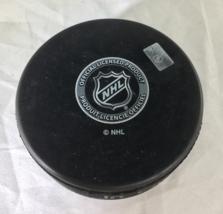AUSTON MATTHEWS / TORONTO MAPLE LEAFS / AUTOGRAPHED NHL LOGO HOCKEY PUCK / COA image 3
