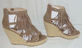 BF Betani Shiloh 8 Stone Fringe Wedge Heel Sandals Size 7 image 3