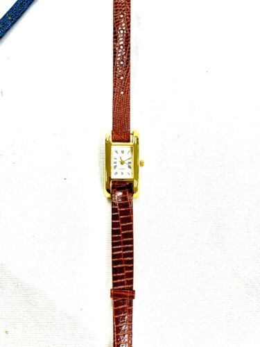 Ladies Watch With Interchangable Bands image 8