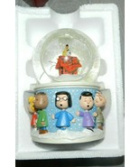 2005 HALLMARK KEEPSAKE 40 YRS A CHARLIE BROWN CHRISTMAS SNOW GLOBE  PEAN... - $34.65