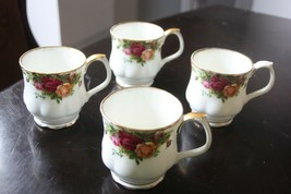 ANTIQUE OLD COUNTRY ROSES 1962 ROYAL ALBERT ENGLAND 4 COFFEE CUPS NICE S... - $37.62