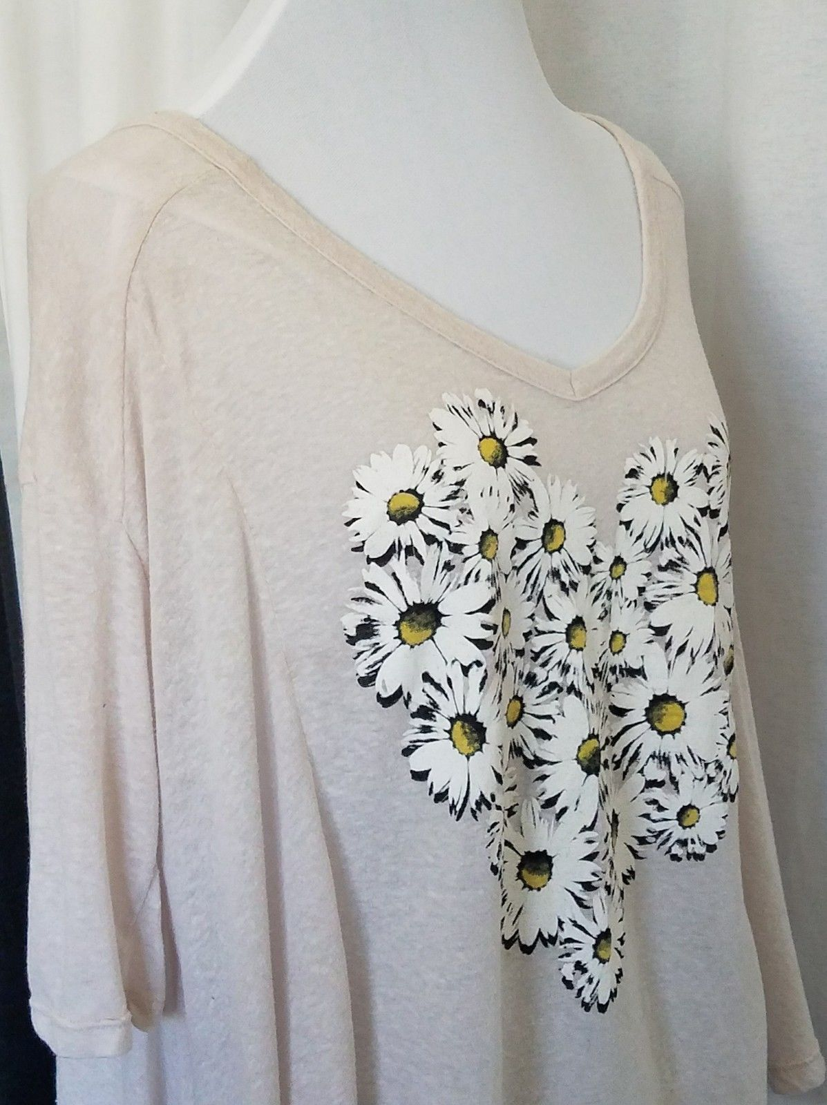 Daisy Heart Cotton Top Short Sleeve T Shirt Asymmetrical Hemline Size M/L
