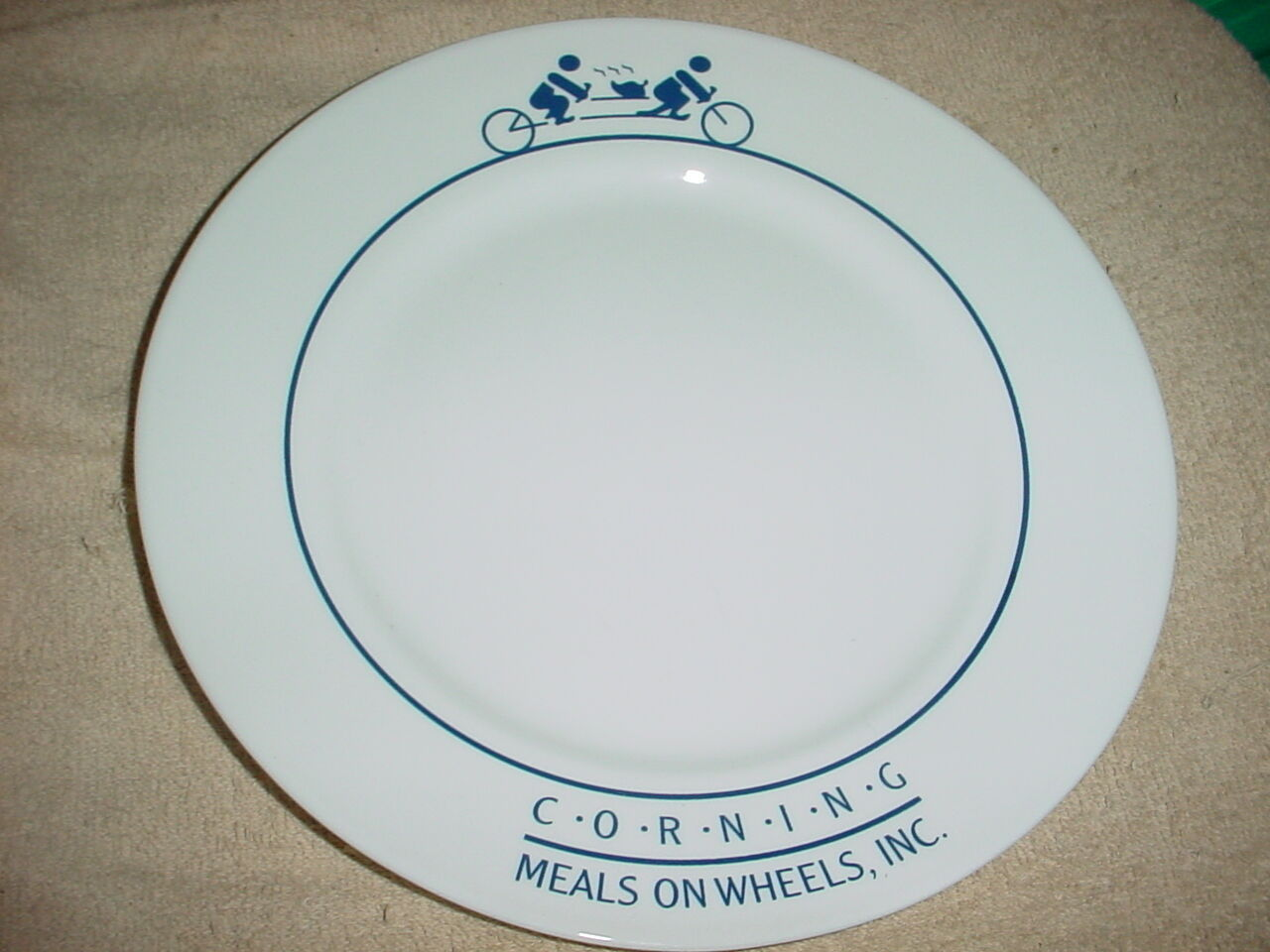 Primary image for CORELLE CORNING NY MEALS ON WHEELS DINNER PLATE VERY RARE FREE USA SHIPPING