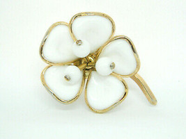 1951 Crown Trifari Gold Tone White Milk Glass Flower Pin Brooch - $74.25