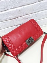 AUTHENTIC CHANEL RED SMOOTH CALFSKIN REVERSO MEDIUM BOY FLAP BAG RHW image 2