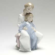 Nao by Lladro 02001429 A Moment With Mommy Porcelain Figurine Glased New  - $115.00