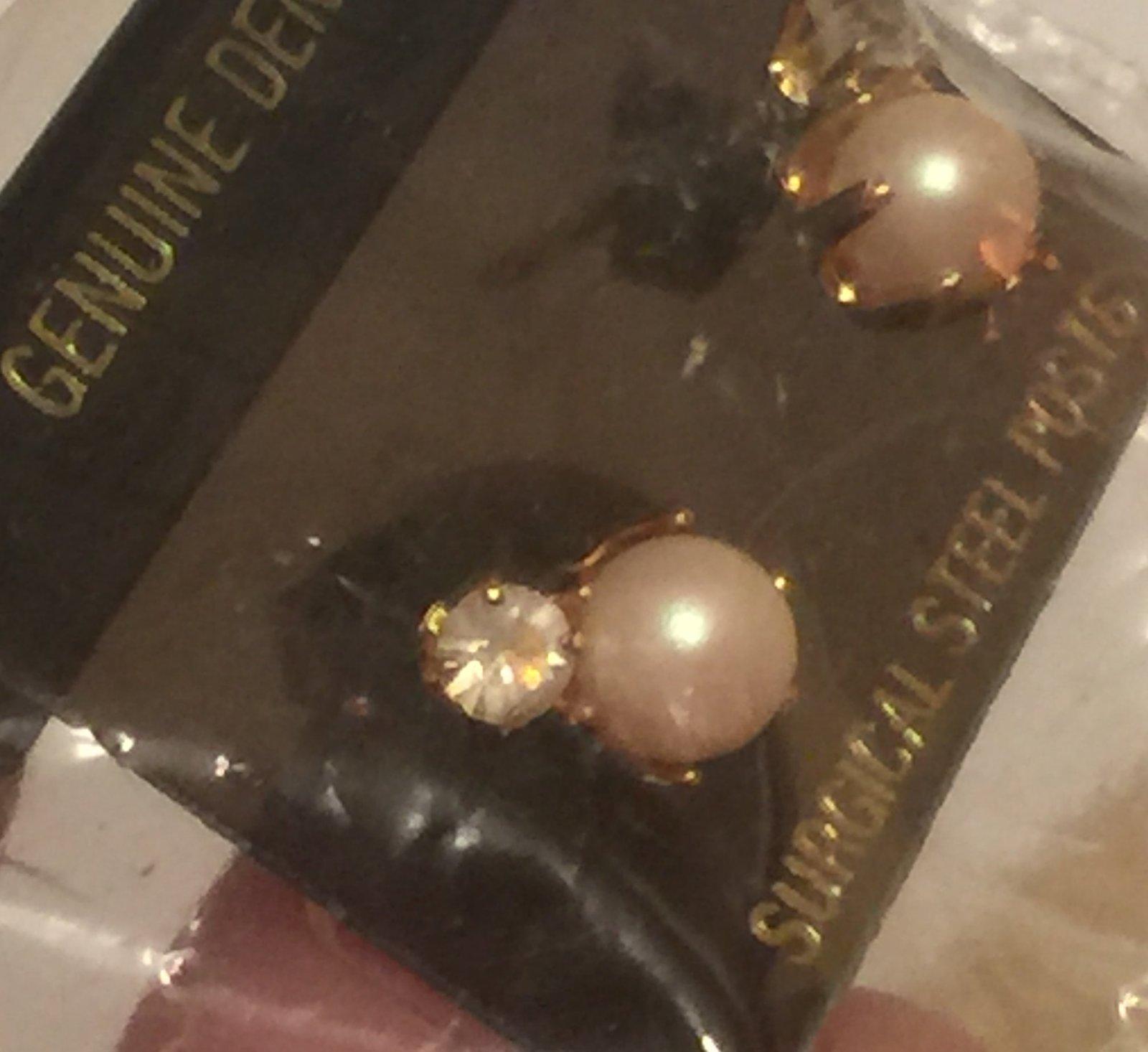 VTG 80s Earrings~Genuine Dentelle West German Crystal Rhinestone/Faux Pearl Stud