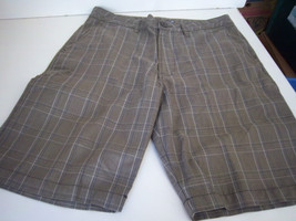 QUIKSILVER - Men's Brown/Blue/White Checked Shorts -- Size 32 - $15.99