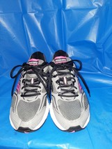Ladies Saucony Cohesion Grey Black And Pink Sneakers size 9m - $24.75