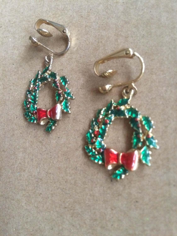 Vintage Christmas Wreath Gold Tone Enamelled Large Dangle Drop Clip On Earrings