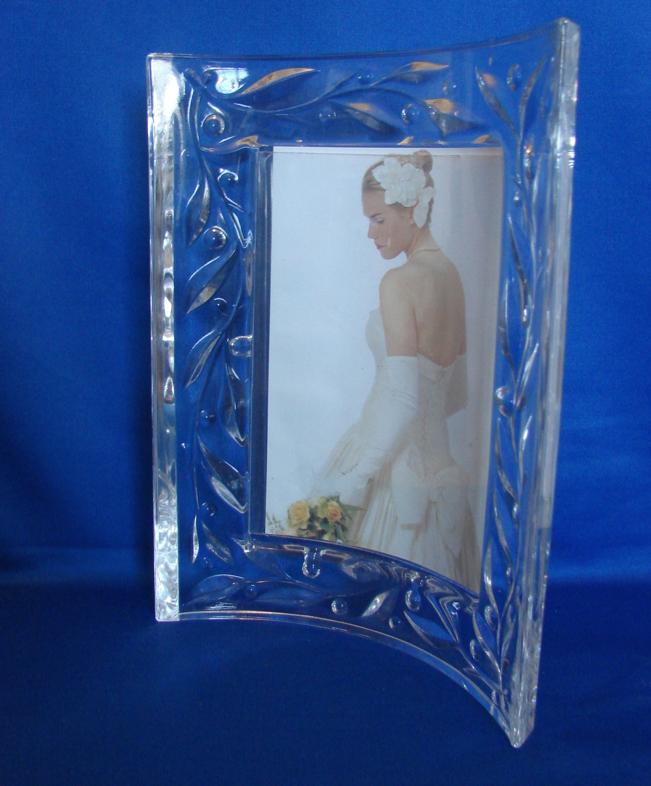 Mikasa Crystal Curved Picture Frame, 3 x 5 Crystal Celebrations Frame image 4