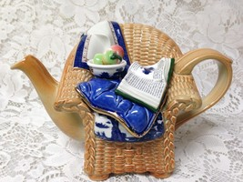 Royal Doulton, Booths Real Old Willow, Blue Willow Teapot 8.5inx5.5inx5.5in - $180.45