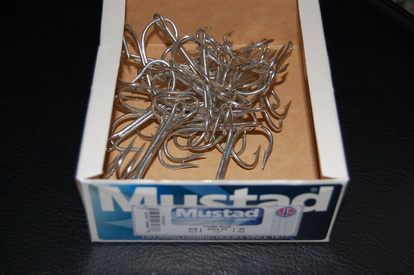 5 Pack Mustad W3551-04 Size 4 Bronze Weedless Treble Hooks Weed Guard