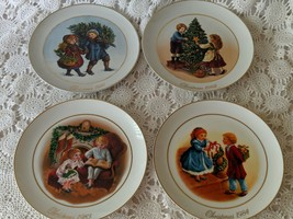 Avon Christmas Memories 1981, 1982, 1983,1984 Collectors Plate Set of 4 ... - $19.39